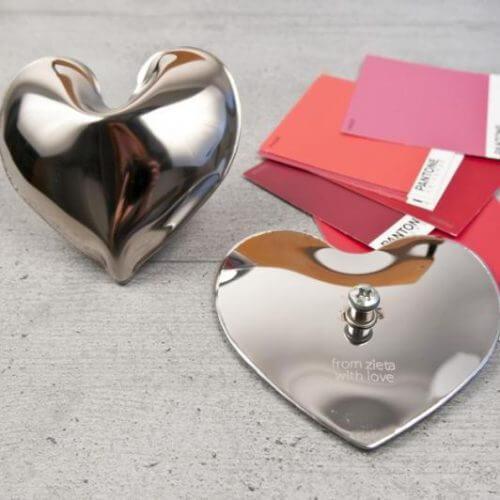 Vješalice Hot Pin i Hot Heart