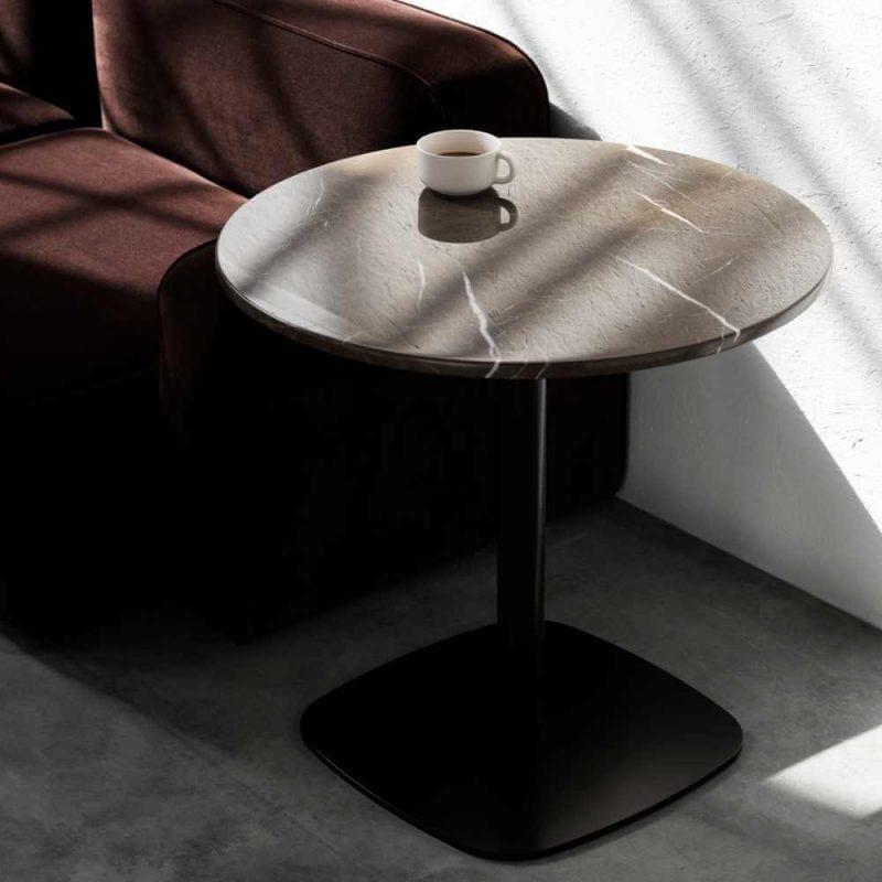 Mramorni stol Form