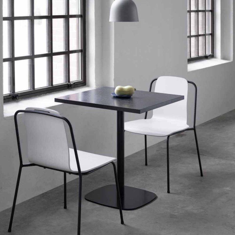 Drveni stol Form