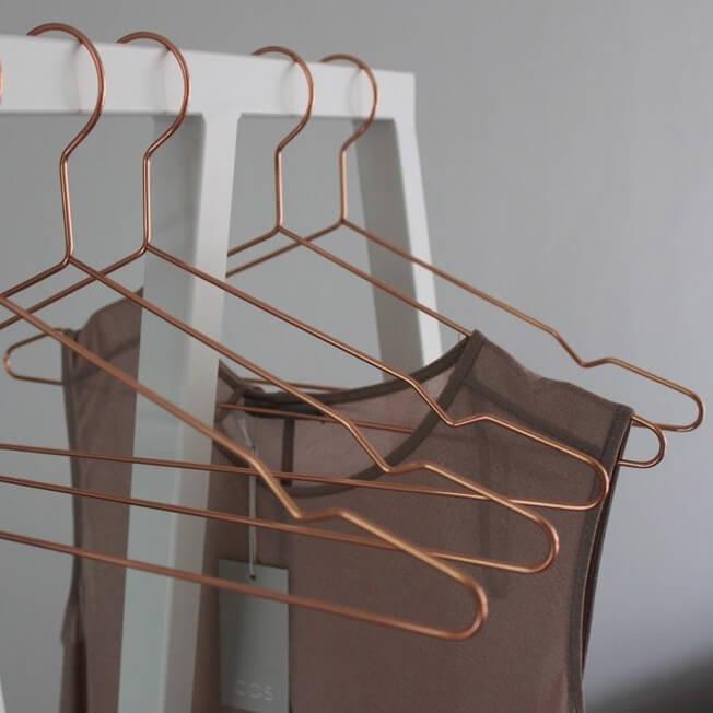 Metalne vješalice Hang