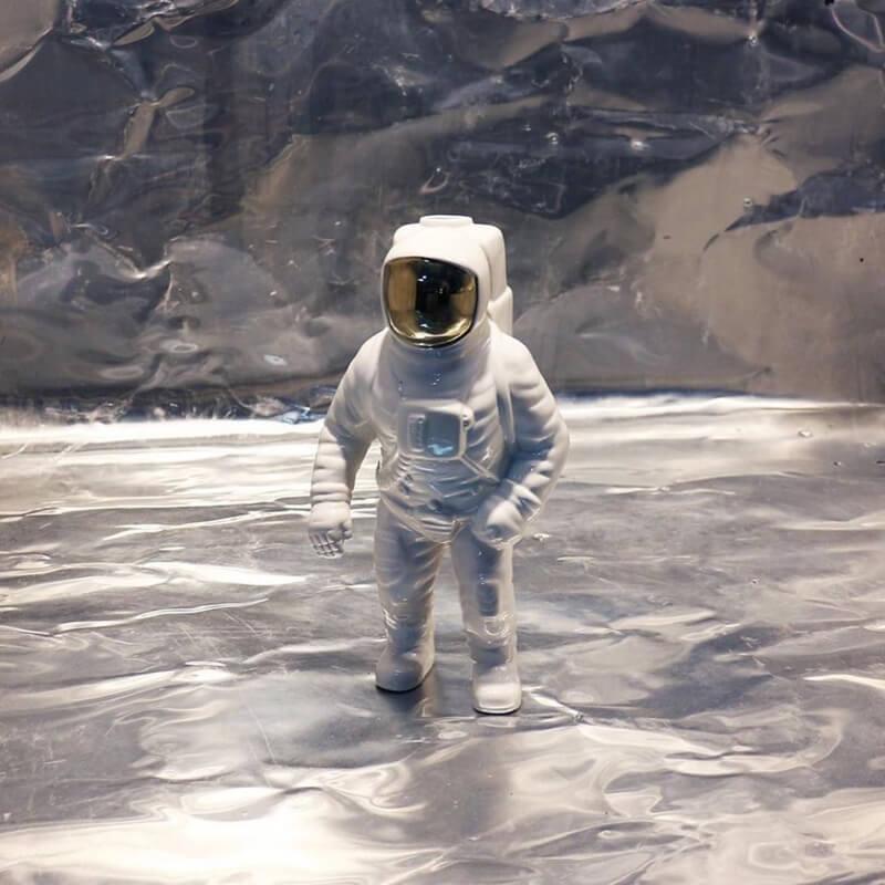 Svjetiljka astronaut
