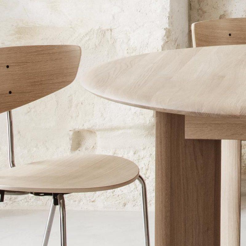 Drveni stol