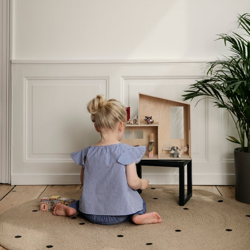 Drvena kućica za djecu